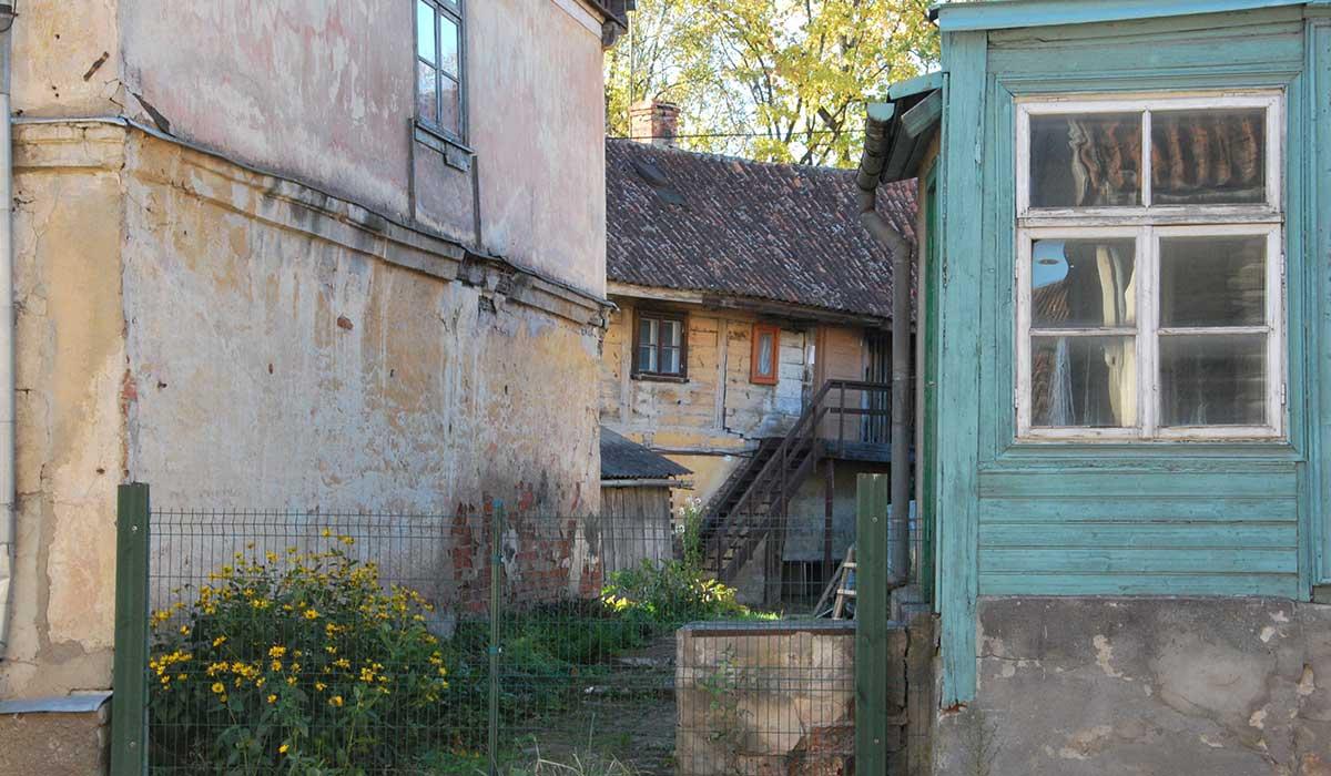 Exempel på patina i staden Kuldiga
